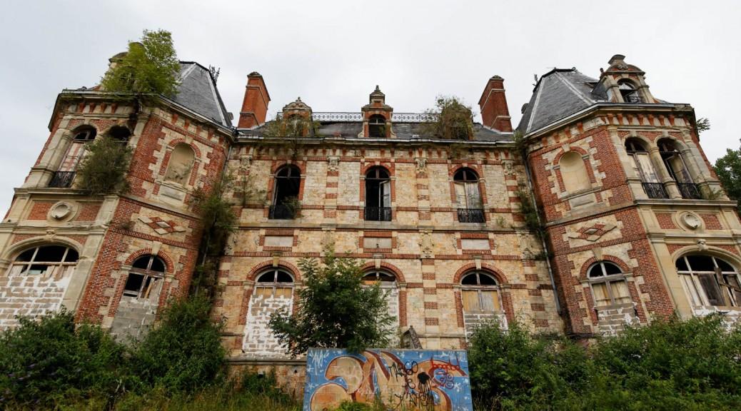 Chateau abandonn de bonnelles exurbis for Chateau yveline