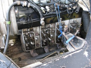 Le moteur du Pinz avec les culbuteurs visible