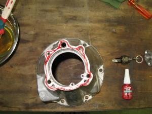 Dessus du cône, avec le joint anaérobique pour l'assemblage du couvercle.