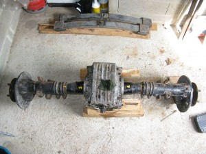 """L'essieu, avant d""""montage des demi axe (possible aussi de le faire sur le camion)"""